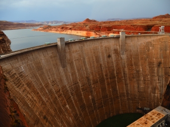 The Glen Canyon dam -- stunning surrounding scenery. Much nicer than the Hoover dam, to be seen later in our trip